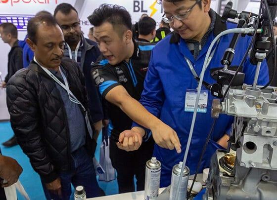 Präsentation Engine Flush von PRO-TEC auf der Automechankika Shangai