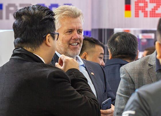 Werner Urban, CEO/Präsident der bluechemGROUP, auf der Automechanika Shanghai
